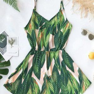 ❤️NWT Tropical Dream Banana Leaf Print Dress